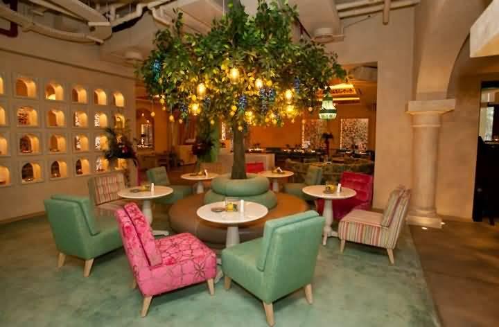 مقهى ومطعم بيت المزه من الداخل