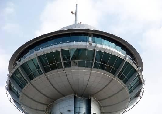 برج مارينا مول .. جولة في سماء ابوظبي