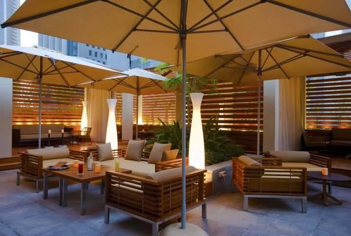 مطعم كراميل لاونج للمأكولات الأمريكية – مركز دبي المالي العالمي
