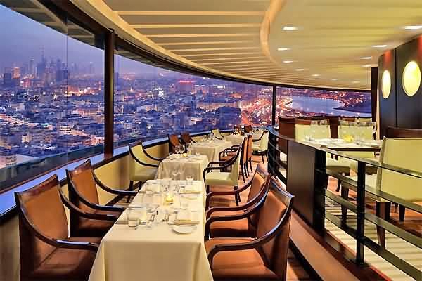 المطعم الدوار للمأكولات العالمية – ديرة دبي