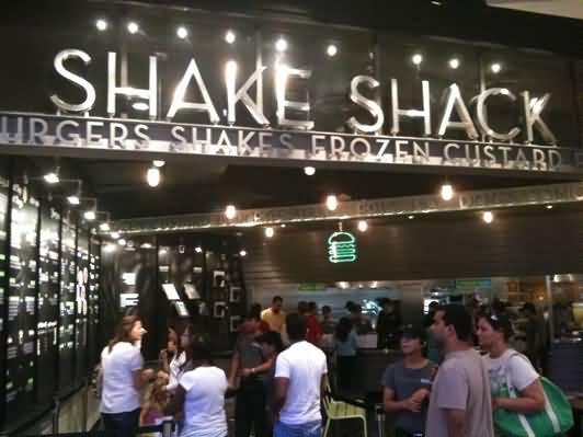 مطعم شيك شاك للهامبرغر الأمريكي – مول الامارات
