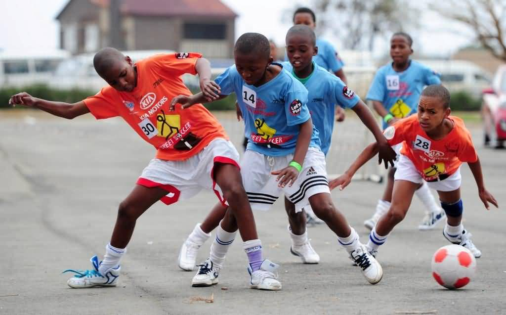Photo of فعالية إنسايد ستريت فوتبول لكرة قدم الشارع