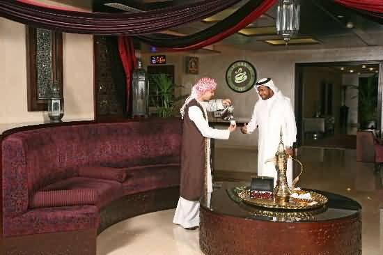 مقهى جراند كافيه شارع الشيخ زايد عين دبي