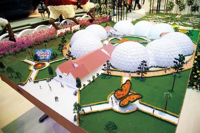 ثاني أكبر حديقة فراشات في العالم بدبي
