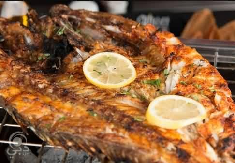 مطعم الفينيق للمأكولات البحرية و الشرقية – الخليج التجاري