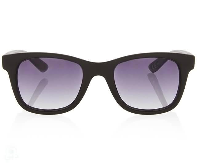 شركة إيطالية تطلق نظارات شمسية تجسد روح الاتحاد الـــ 43