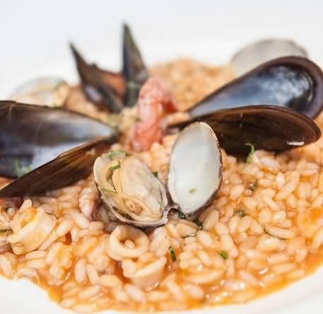 مطعم بيتشه ماره للمأكولات الإيطالية – سوق البحار