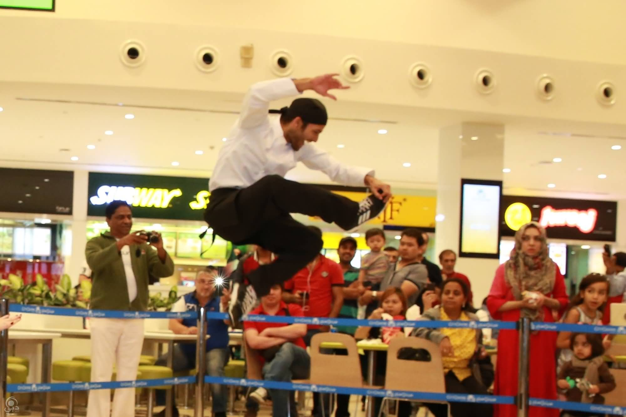 Photo of بالصور .. المطبخ الراقص أحد فعاليات مهرجان دبي للمأكولات !!