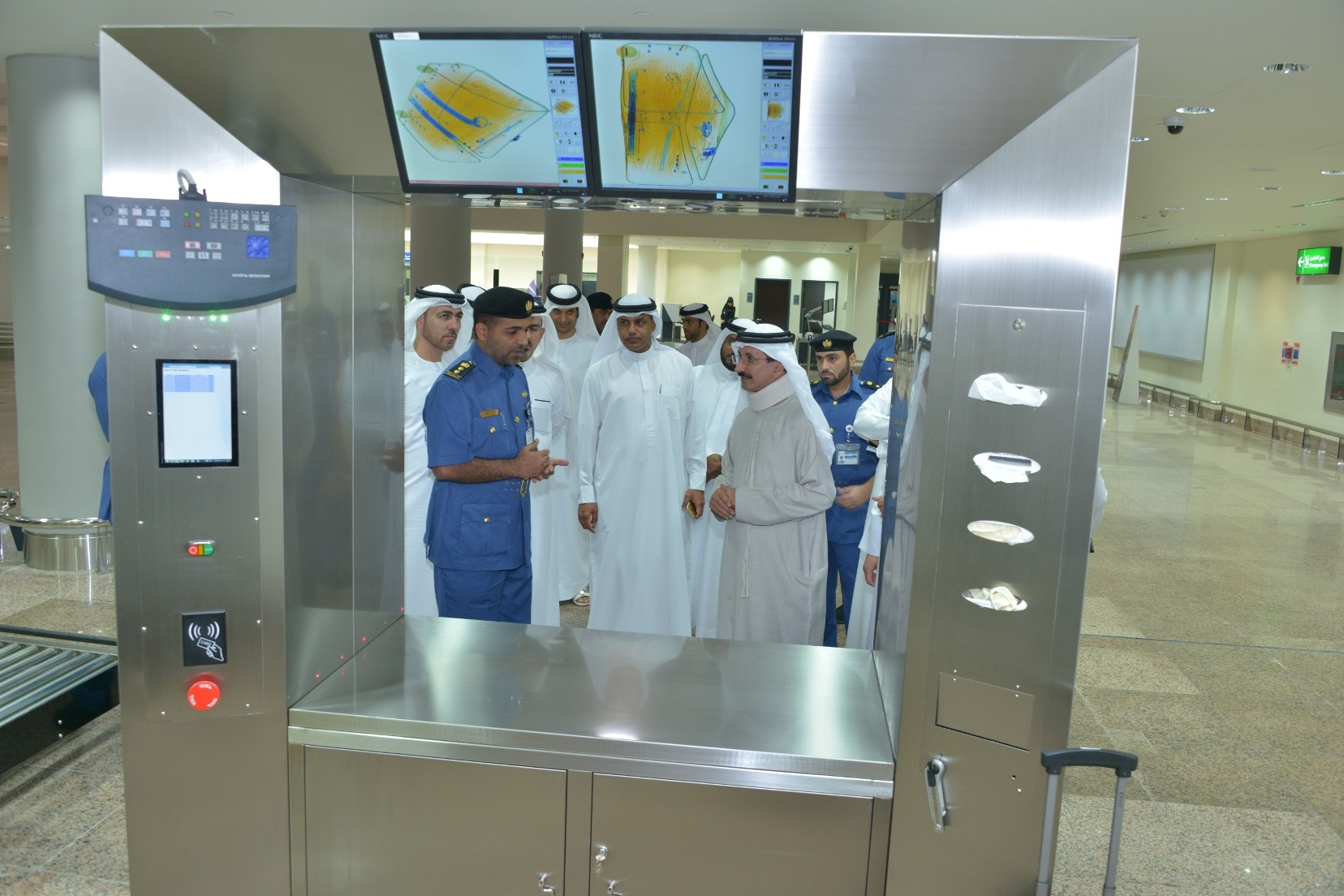 Photo of إطلاق نظام  التفتيش الجمركي الذكي في مطارات دبي