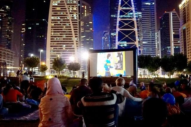 دبي تضم 4 سينمات في الهواء الطلق