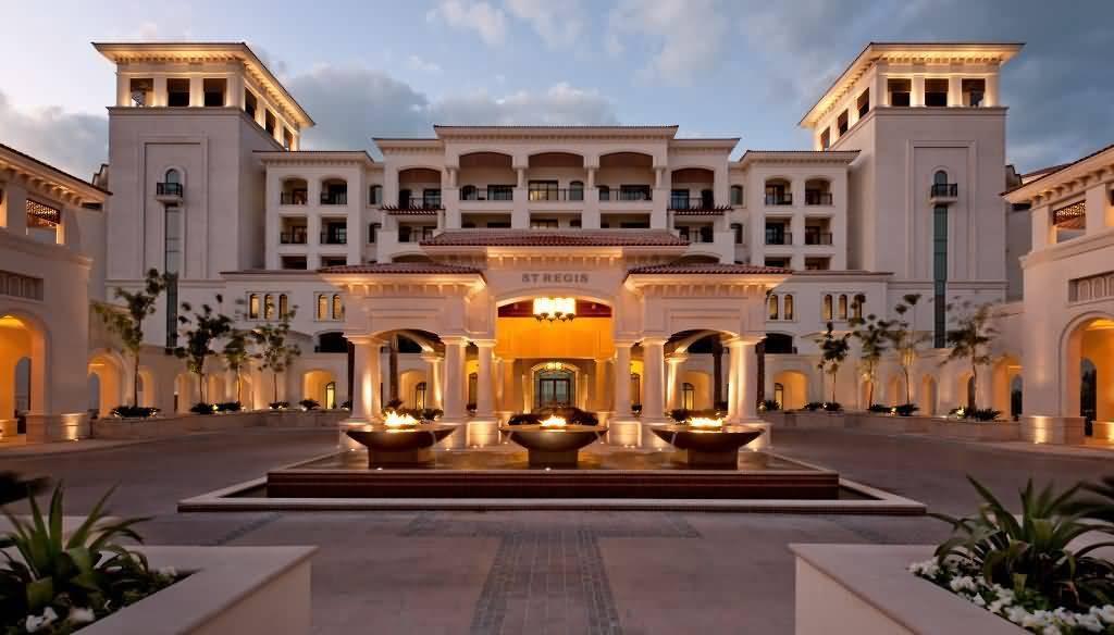 """Photo of فندق سانت ريجيس يحصد لقب """"المنتجع الشاطئي الأبرز"""" بأبوظبي"""