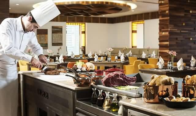 مطعم بيتي آل داي دايننغ في رمضان
