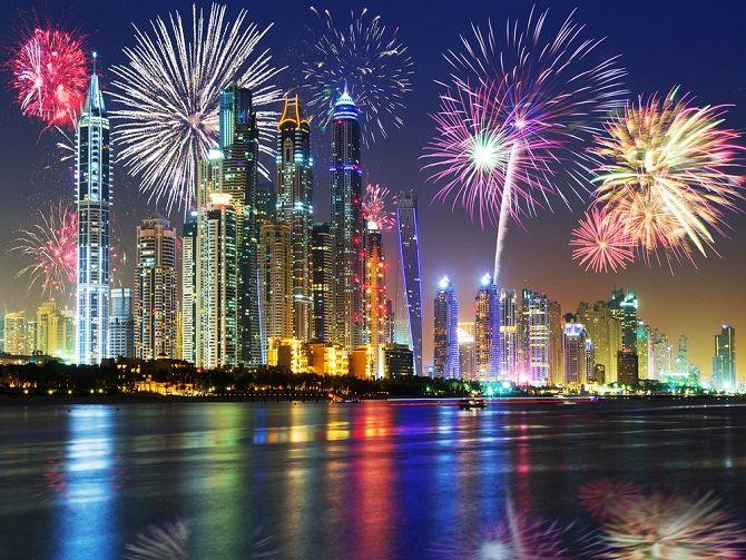 الألعاب النارية في دبي خلال عيد الأضحى 2015