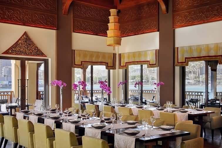 صورة مطاعم فندق ذي بالاس تحتفل بمهرجان المذاق التايلندي