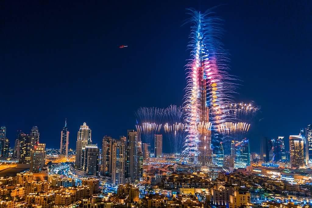 أفضل 4 مطاعم لمتابعة عروض الألعاب النارية إحتفالا برأس السنة 2016 في دبي
