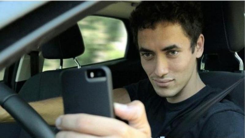 ماهي عقوبة التقاط صورة سيلفي أثناء القيادة في دبي؟