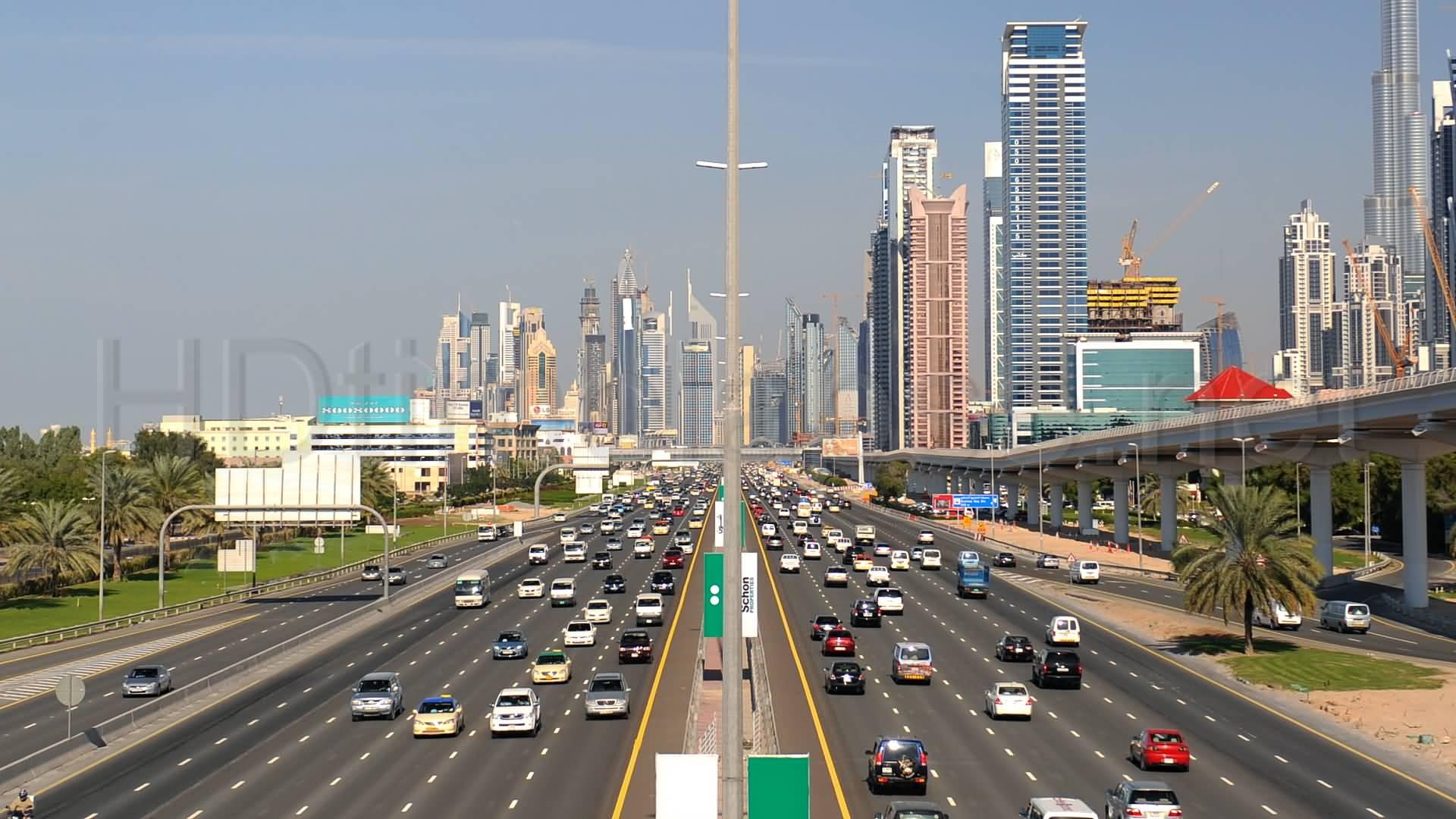 أكثر 5 شوارع في دبي تحدث فيها حوادث السير بكثرة