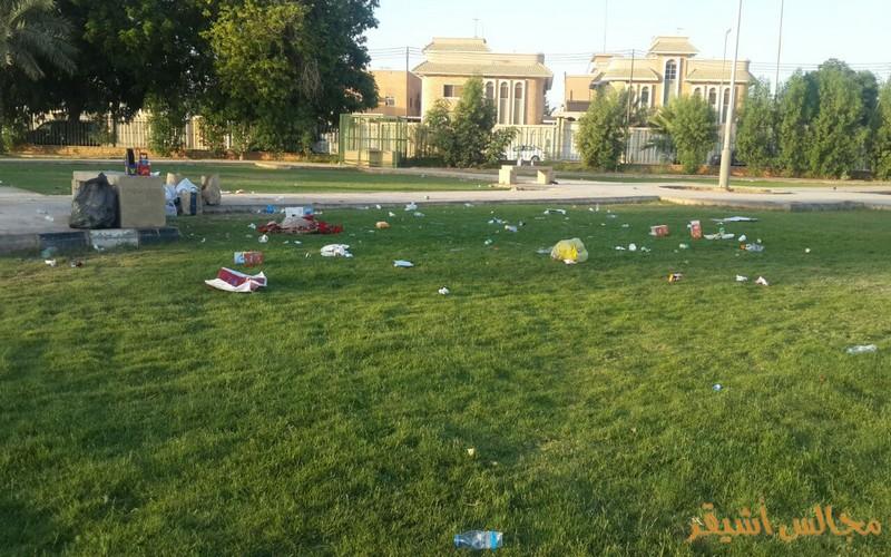 ما هي عقوبة رمي النفايات بالأماكن العامة في دبي ؟