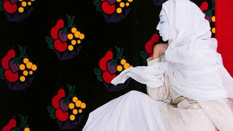 صورة مركز تشكيل يستضيف معرض الفنانة التشكيلية عفراء بن ظاهر