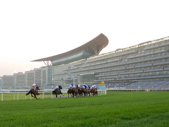 Photo of دبي تستضيف السباق الثامن من سباقات الخيل في ميدان 2015 / 2016