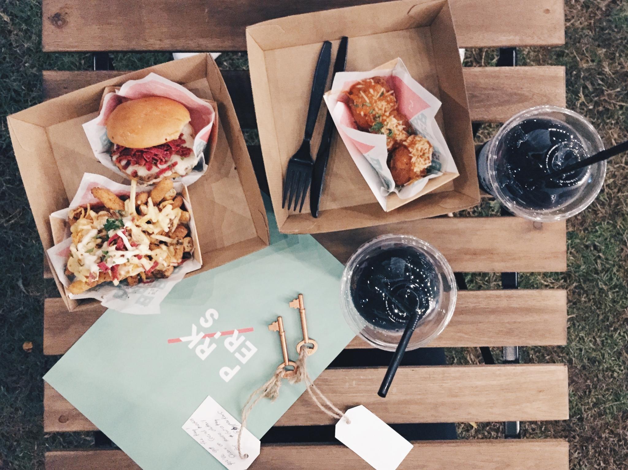 صورة مطعم باركرز للمأكولات السريعة – حديقة الخزان