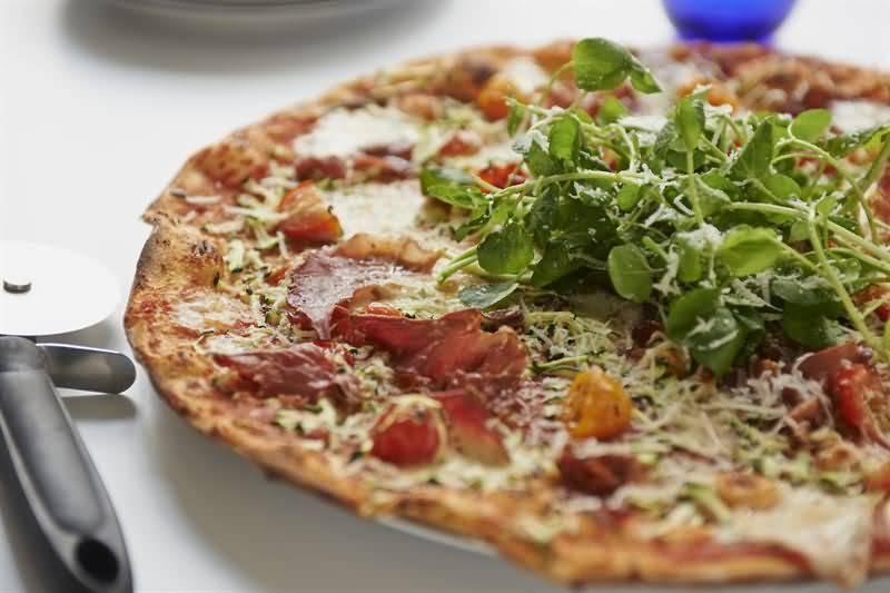 Photo of إن-كي-دي بيتزا تعود بحلة جديدة إلى عالم المطاعم بدبي