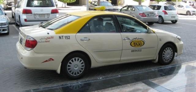 ما هي عقوبة فتح الباب الأيسر لسيارة الأجرة في دبي ؟