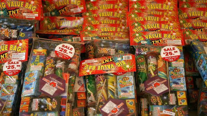ماهي عقوبة حيازة أو ترويج أو شراء الألعاب النارية في دبي ؟