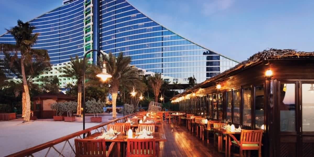 نظرة على مطعم بيتشكومبرس للمأكولات الآسيوية و الماليزية في دبي