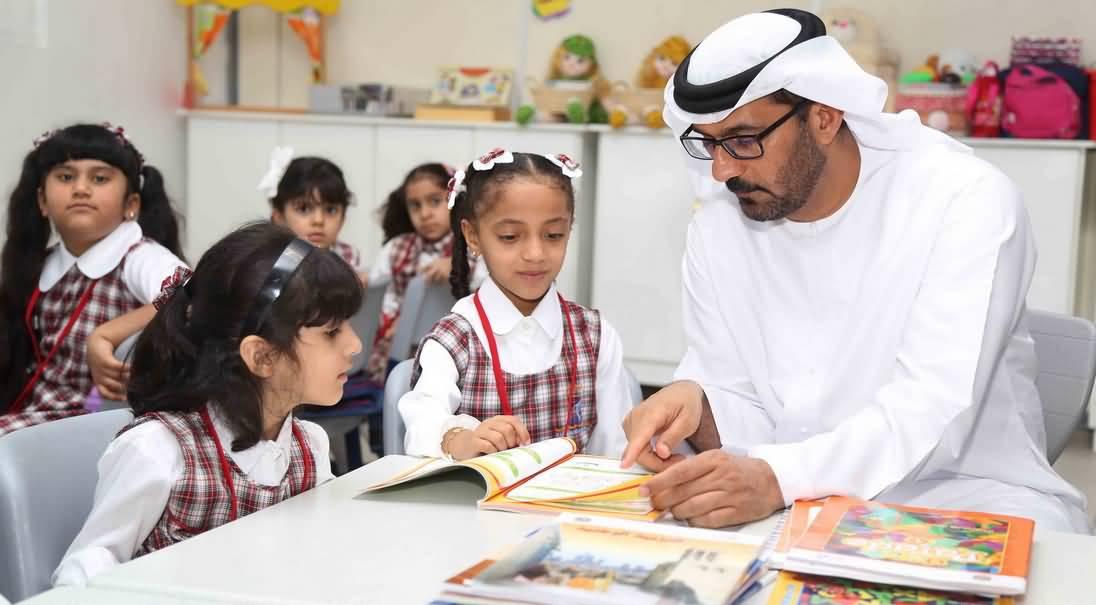 كم ساعات الدراسة في دبي خلال رمضان 2016 ؟