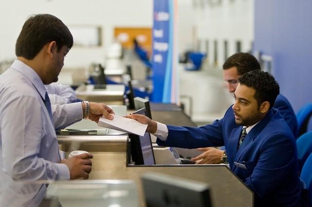 متى يحرم الموظف من إجازته السنوية في الإمارات ؟