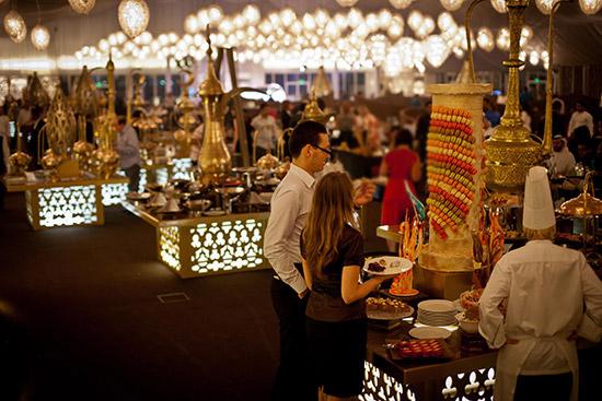 خيمة أساطير الرمضانية في دبي خلال سنة 2016