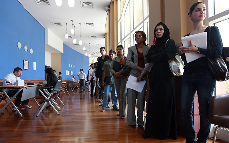 إنفوجرافيك | ما هي الأسباب التي تجذب الوافدين الى الإمارات ؟