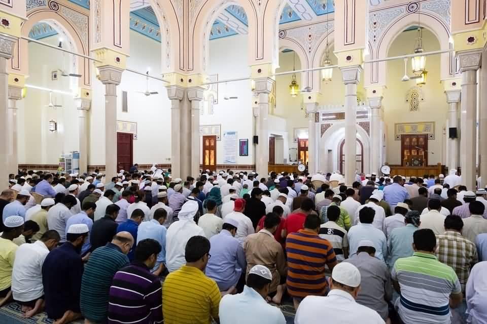 بالصور .. أول أيام شهر رمضان المبارك في مساجد دبي و ابوظبي