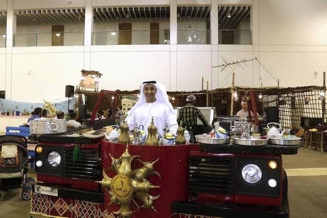 """"""" كشتة كافيه """" أول مقهى متنقل للمشروبات و الأطعمة الإمارتية التقليدية في دبي"""