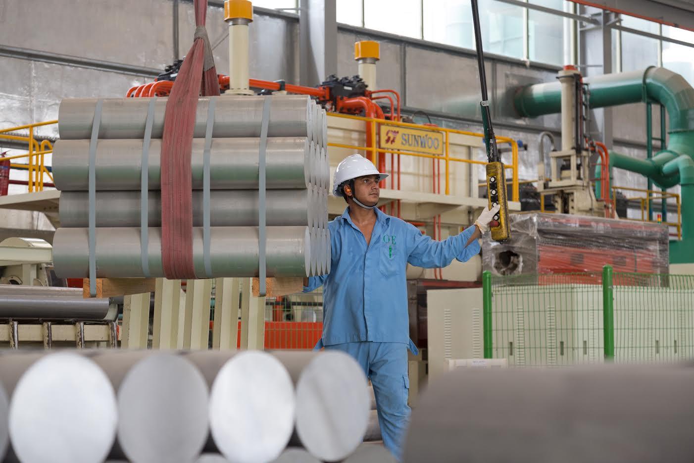 وحدات من المستودعات للتأجير في مجمع دبي الصناعي