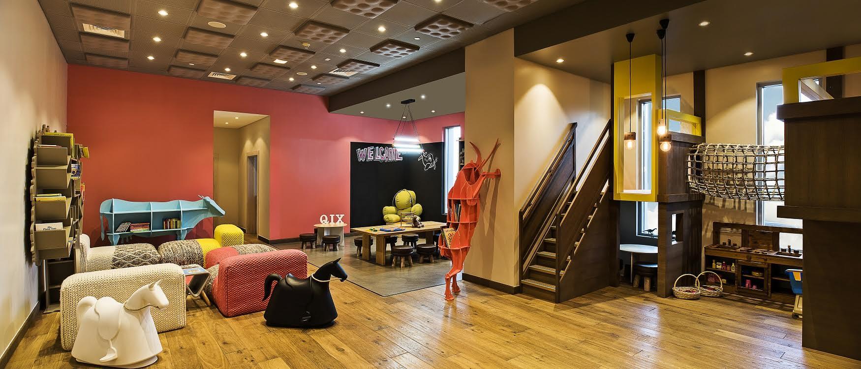 نادي Qix Club يفتتح أبوابه في فندق العنوان دبي مول