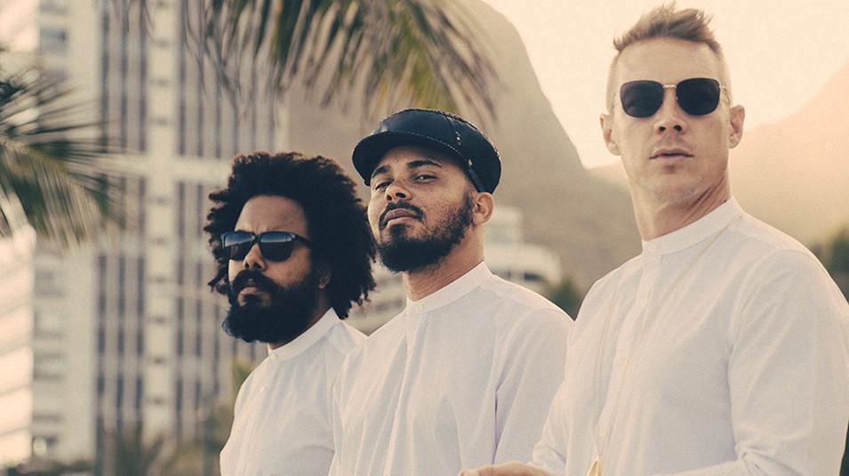 صورة حفل فرقة ماجور ليزر و فرقة أل سنت في دبي