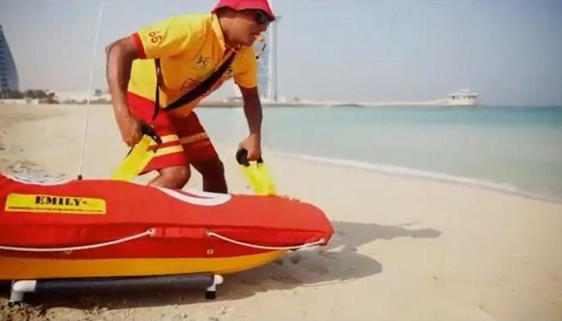 Photo of شواطئ دبي تمتلئ بــروبوتات آلية للإنقاذ البحري