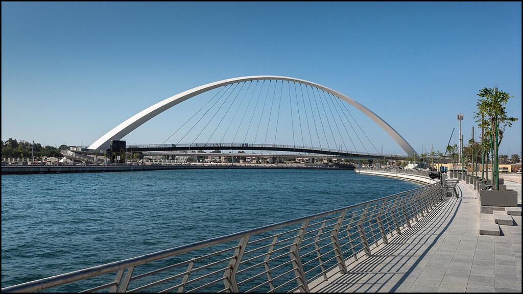 ما هي وسائل النقل المحظورة في قناة دبي المائية ؟ و ما عقوبة مخالفة هذا الحظر ؟