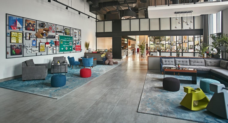 """فندق """"روڤ سيتي سنتر"""" يعكس بيئة دبي الحضرية من خلال تصميمه"""