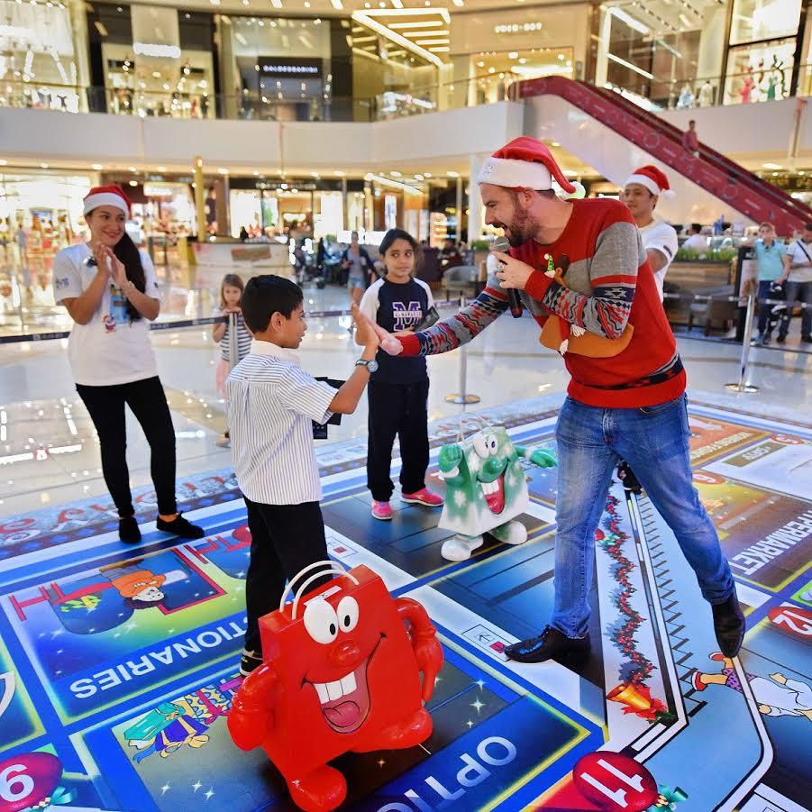 صورة ديسمبر يزخر بالفعاليات في دبي مارينا مول