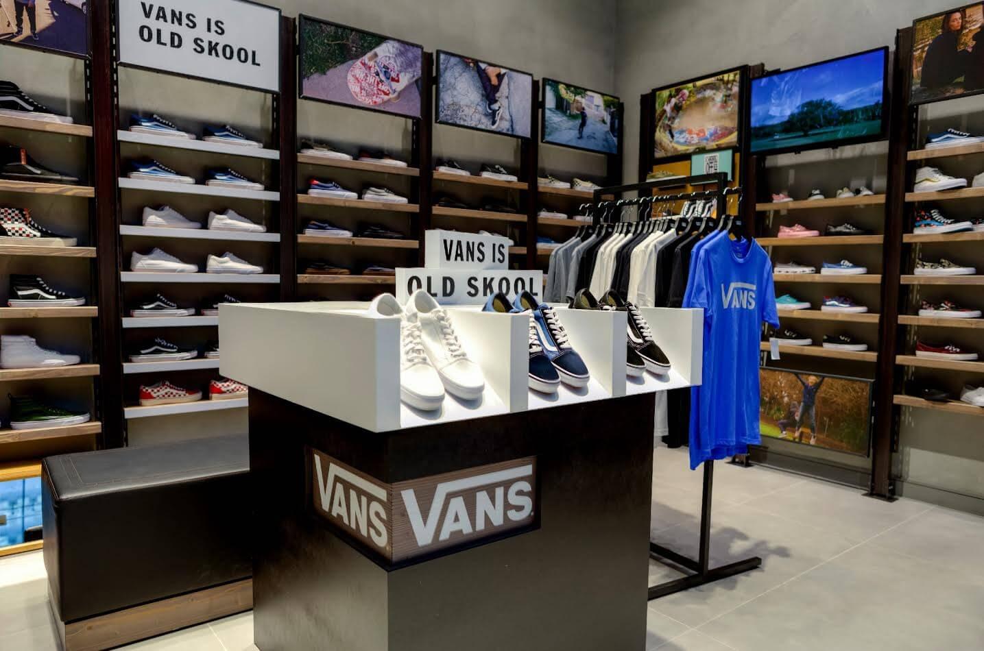 متاجر Vans تفتتح فرعها الجديد في دبي مول