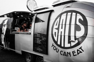 """شاحنات الكرات الإيطالية """"بالز"""" تقدم تجربة طعام جديدة ومثيرة على شوارع دبي"""