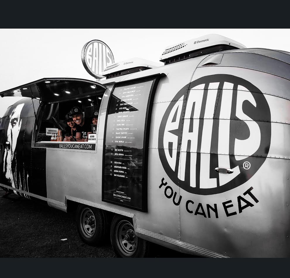 Photo of شاحنات الكرات الإيطالية بالز تقدم تجربة جديدة في شوارع دبي