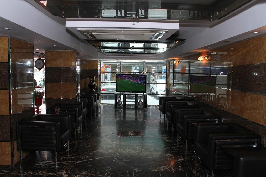 فندق فيراري في دبي