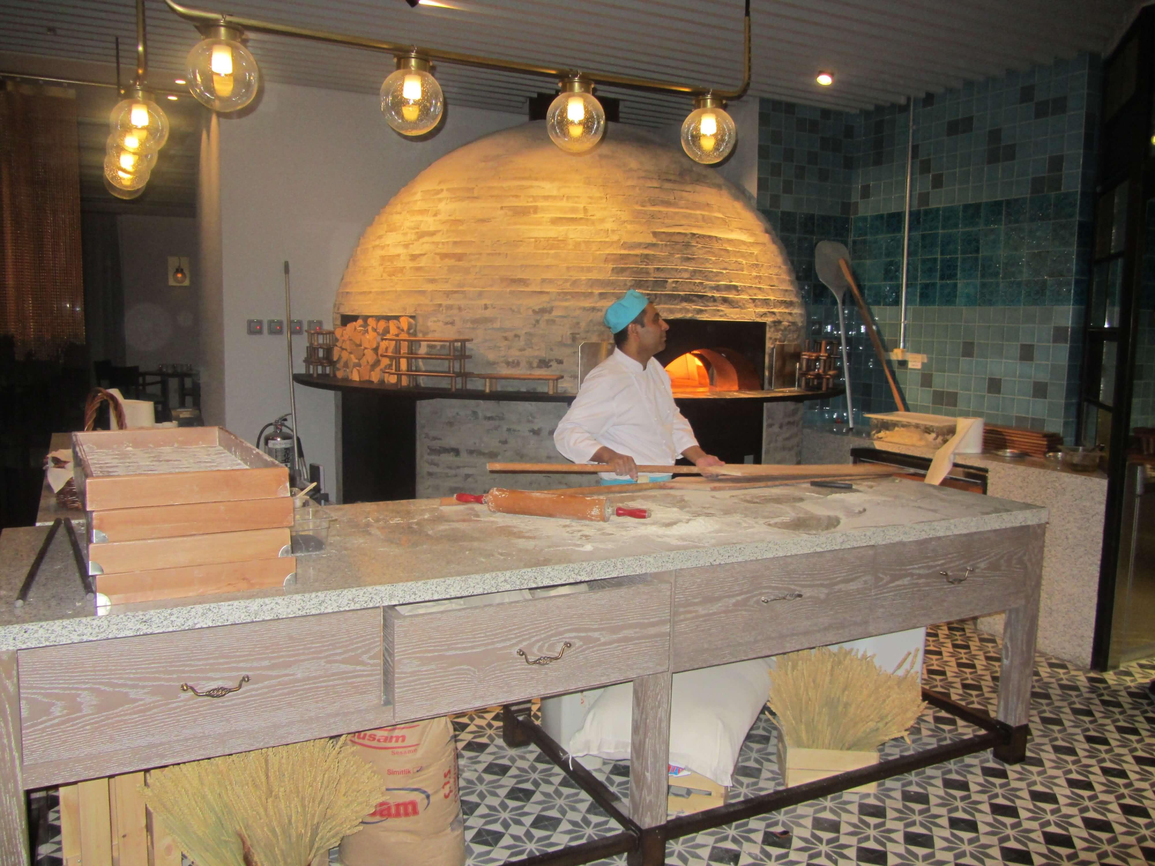 Photo of مطعم بيش يستقبل عصافير الحب بأمسية رومانسية تركية