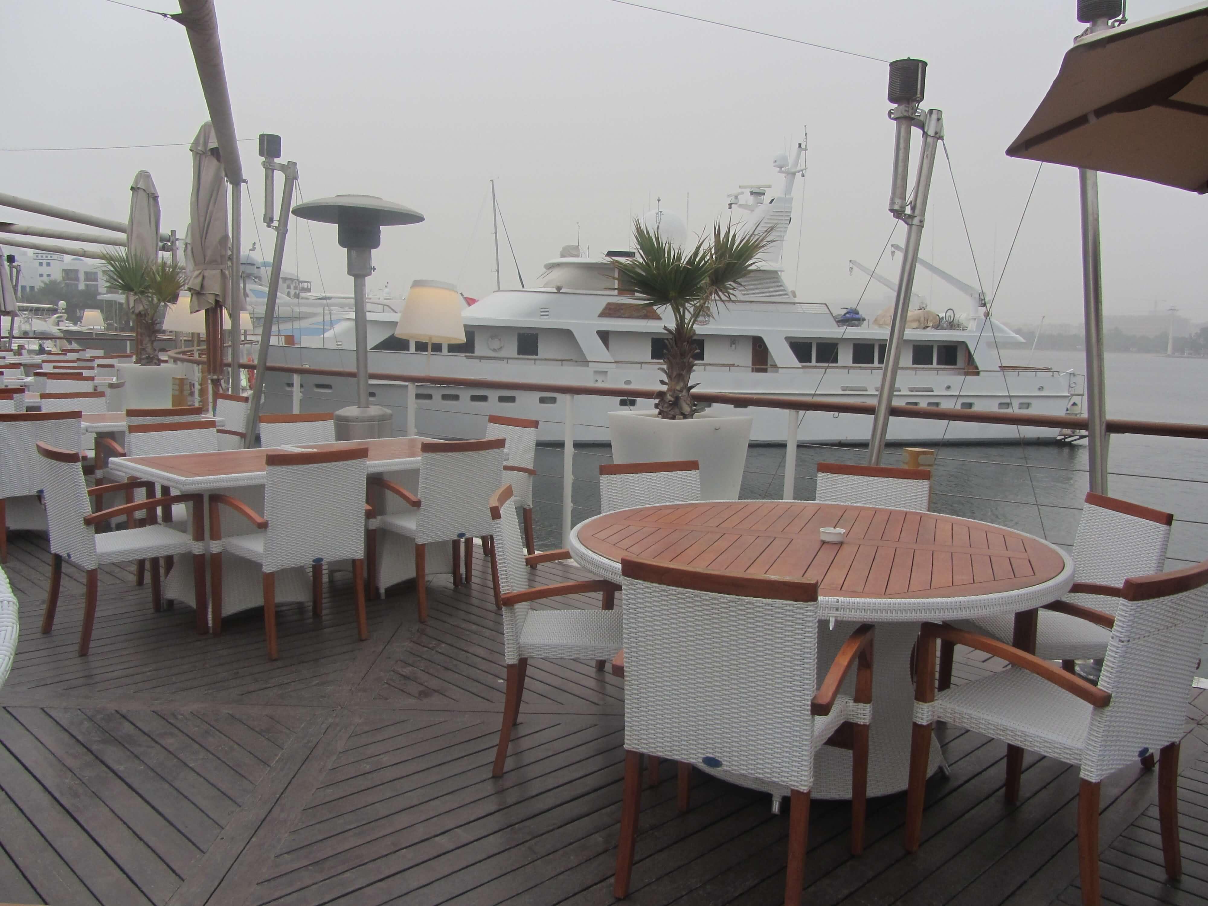 صورة تمتع بالإطلالة البانورامية لخور دبي من مطعم بوردووك