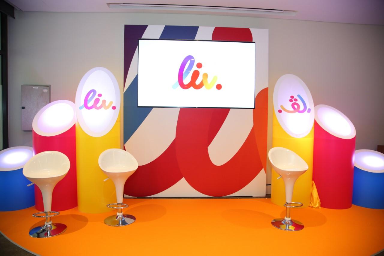 Photo of Liv أول بنك رقمي في الإمارات يستهدف الشباب فقط