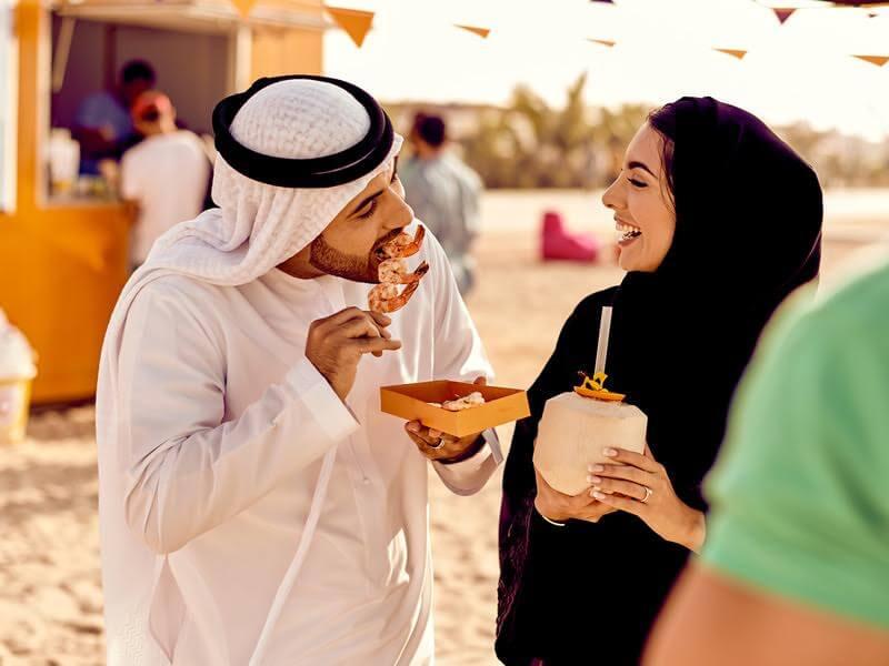 كانتين الشاطئ برعاية اتصالات ضمن فعاليات مهرجان دبي للمأكولات 2017